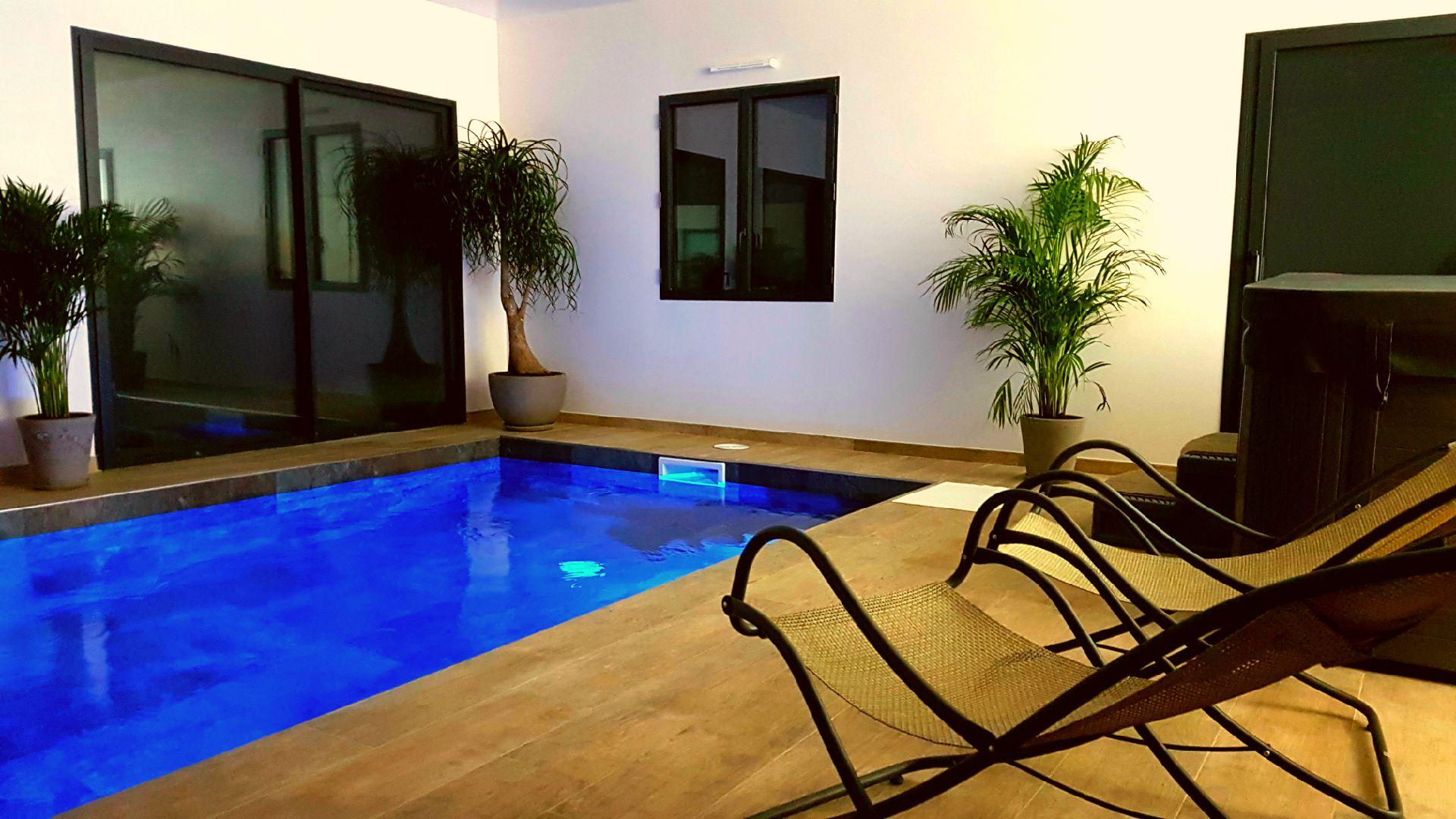 √ Suite avec piscine intérieure privée et suite avec jacuzzi ...